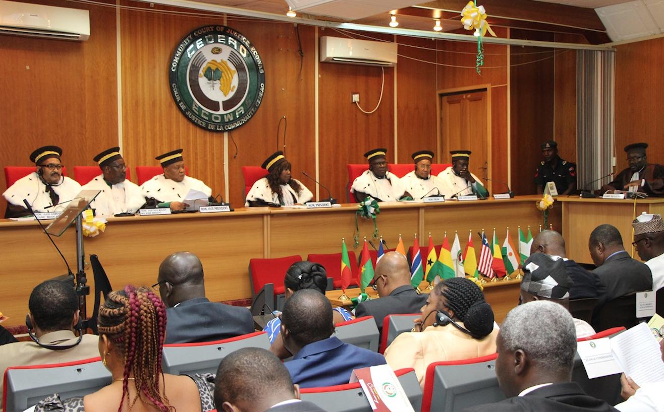 Verdict de la CEDEAO: les avocats de l'Etat et de Karim s'expliquent