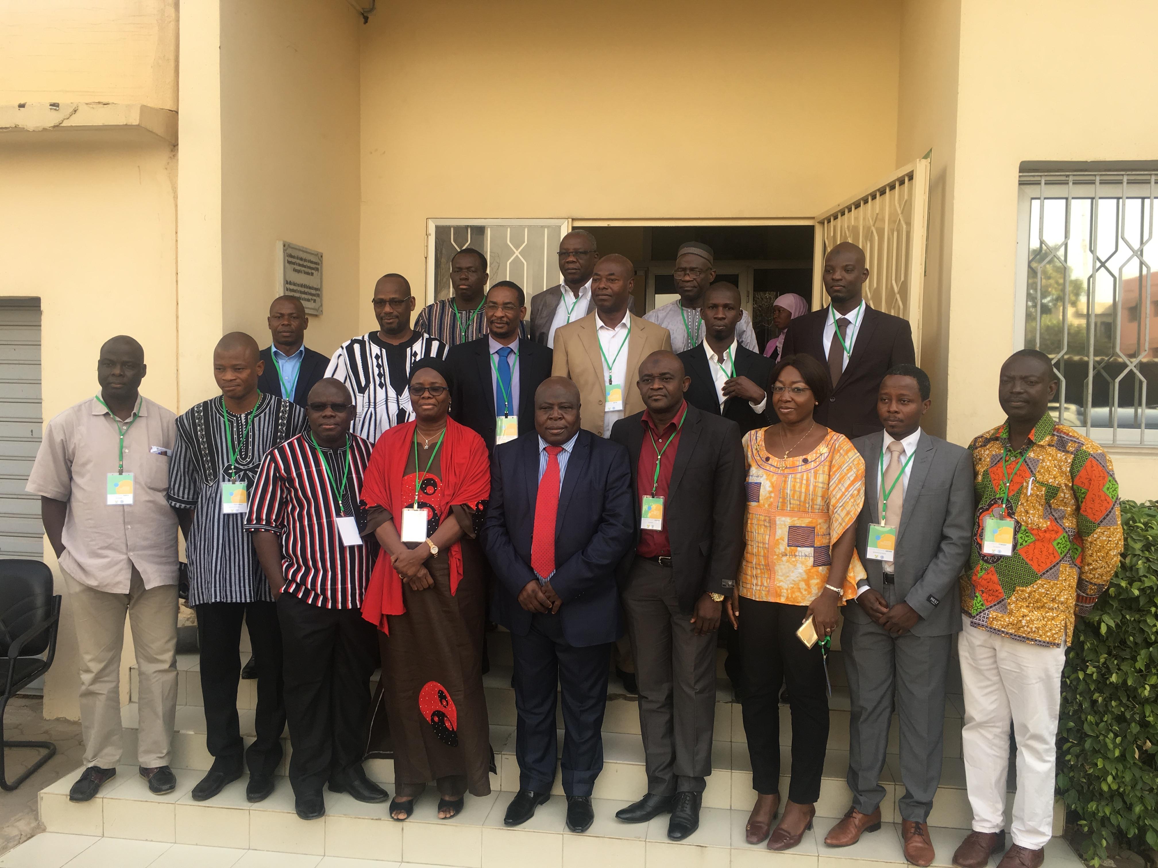 Le groupe d'experts en recherches agricoles de développement venus assister à l'atelier du Coraf à Dakar
