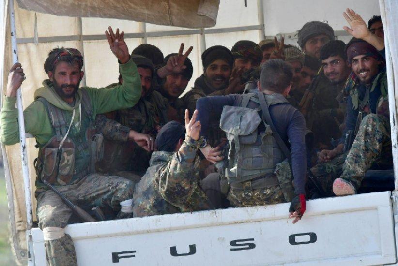 En Syrie, danse et agneau grillé pour célébrer la victoire imminente contre l'EI
