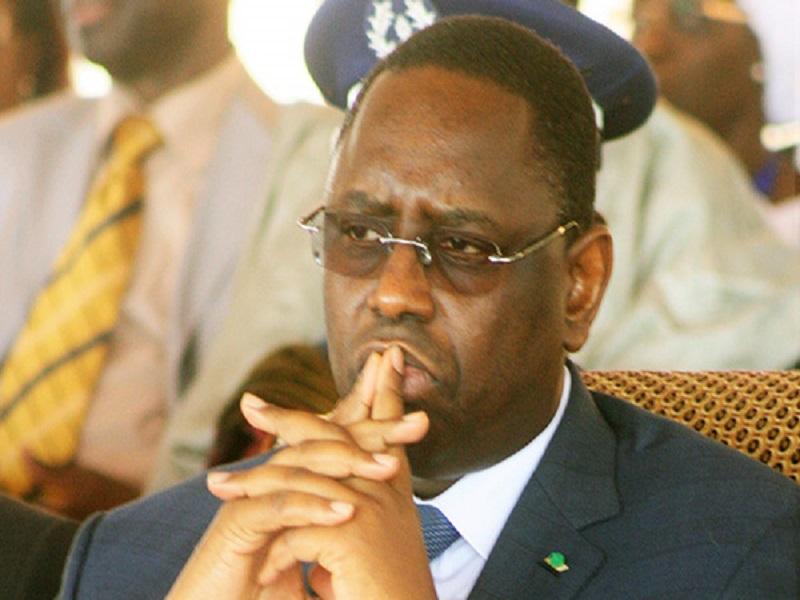 """Retour en """"catimini"""" au Sénégal: Macky dans un jeu de cache-cache contre les pressions"""