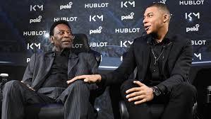 """Le """"Roi Pelé"""" hospitalisé, après avoir vu Kylian Mbappé"""