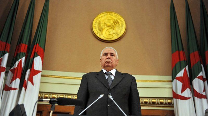 Algérie: contesté, le président par intérim promet «un scrutin présidentiel transparent et régulier»