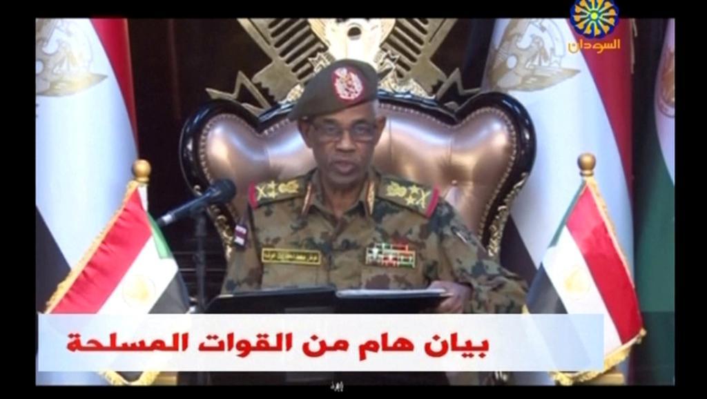 Soudan: le général Awad Benawf à la tête du Conseil militaire de transition