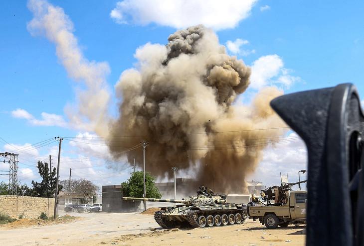 121 morts et près de 600 blessés depuis le 4 avril dans les combats près de Tripoli (OMS)