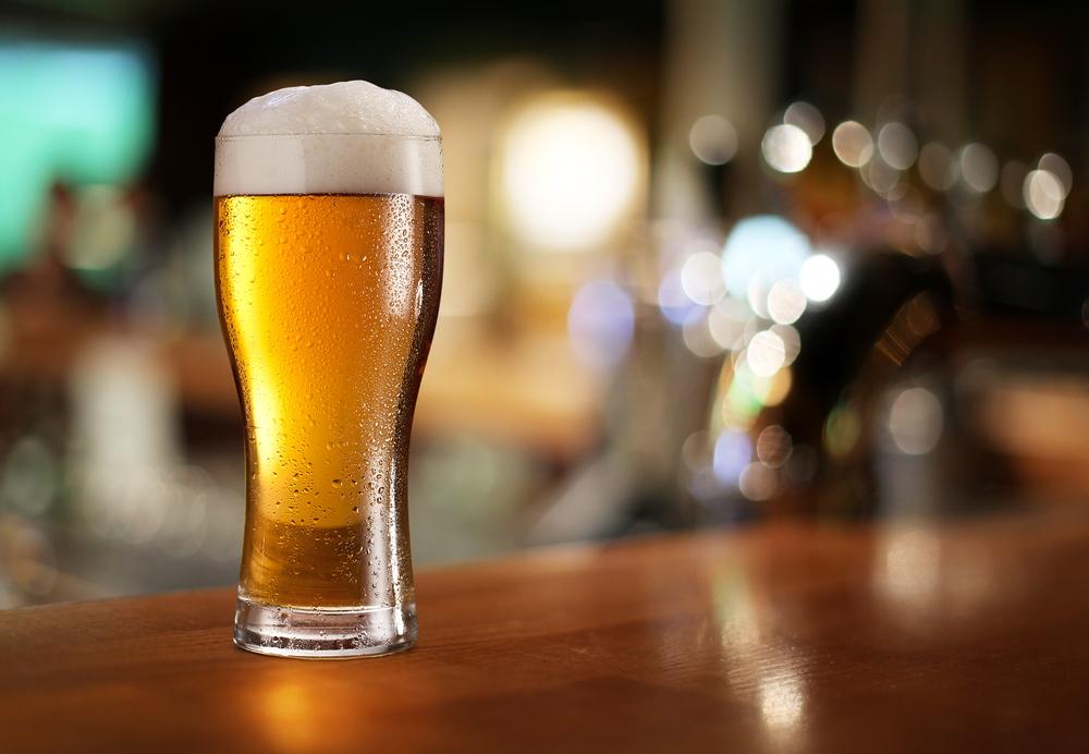 """Dégénérescence au quartier HLM: les sachets d'alcool """"Jakarta"""" tuent 4 adolescents"""