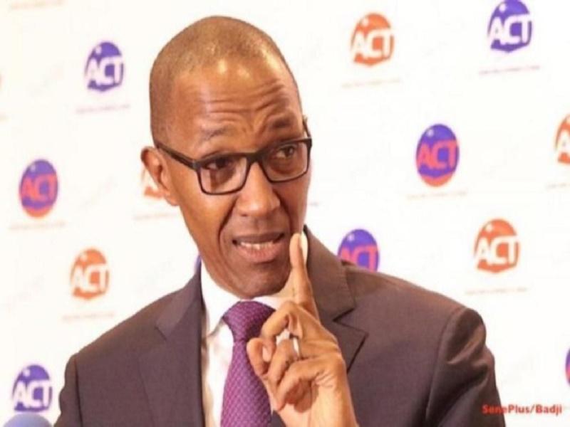 Réduction du train de vie de l'Etat: Abdoul Mbaye salue la décision et raille Macky