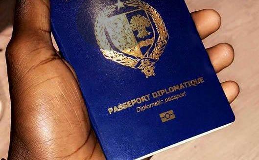 C'est quoi un Passeport diplomatique, à qui le délivre-t-on...