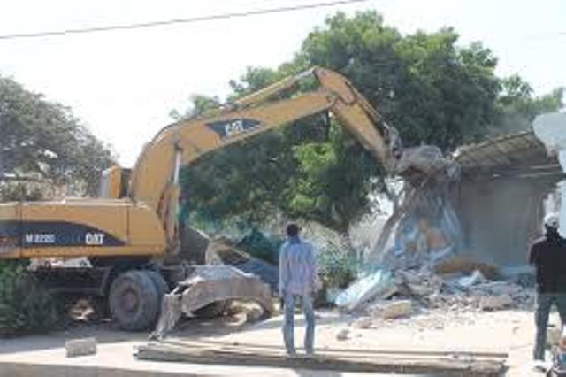 Opération de désengorgement de Dakar : 24 véhicules envoyés à la fourrière