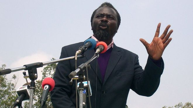 Au Congo le pasteur Ntoumi peut renouer avec la politique