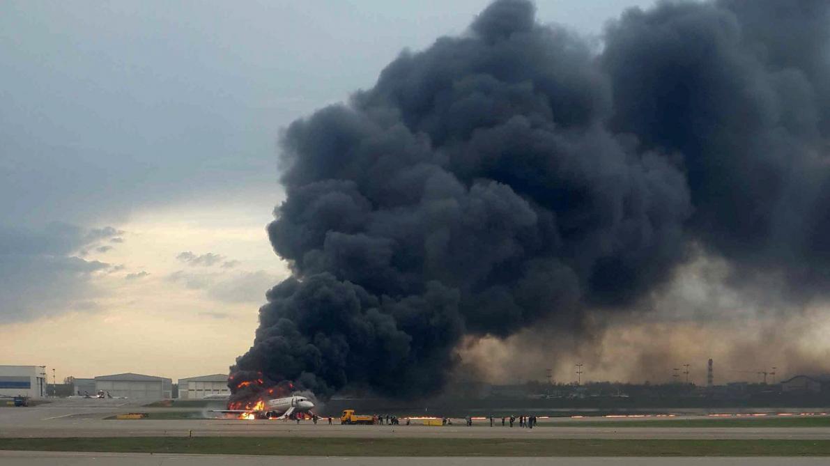 Au moins 13 morts dans l'atterrissage forcé d'un avion