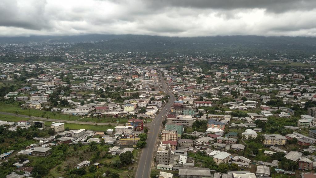 Cameroun anglophone: le Premier ministre en opération séduction à Buea