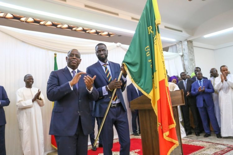 """CAN 2019: les """"lions"""" recevront leur drapeau le 7 juin des mains du chef de l'Etat"""