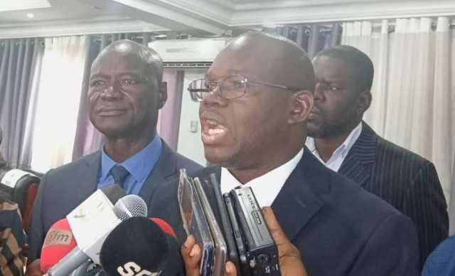 Modération du Dialogue national: la société civile propose Babacar Gaye et Majid Ndiaye, la majorité attend une réunion pour apprécier
