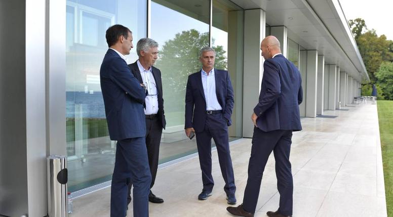 Cristiano propose Mourinho et Ancelotti