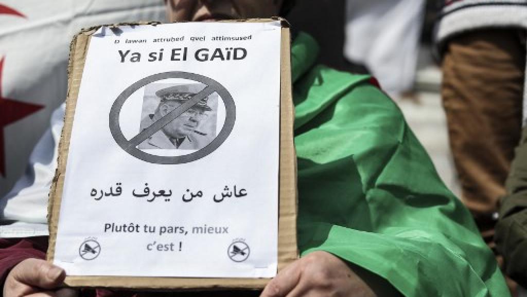 Algérie: nouvelles mises en garde du chef d'état-major Gaïd Salah