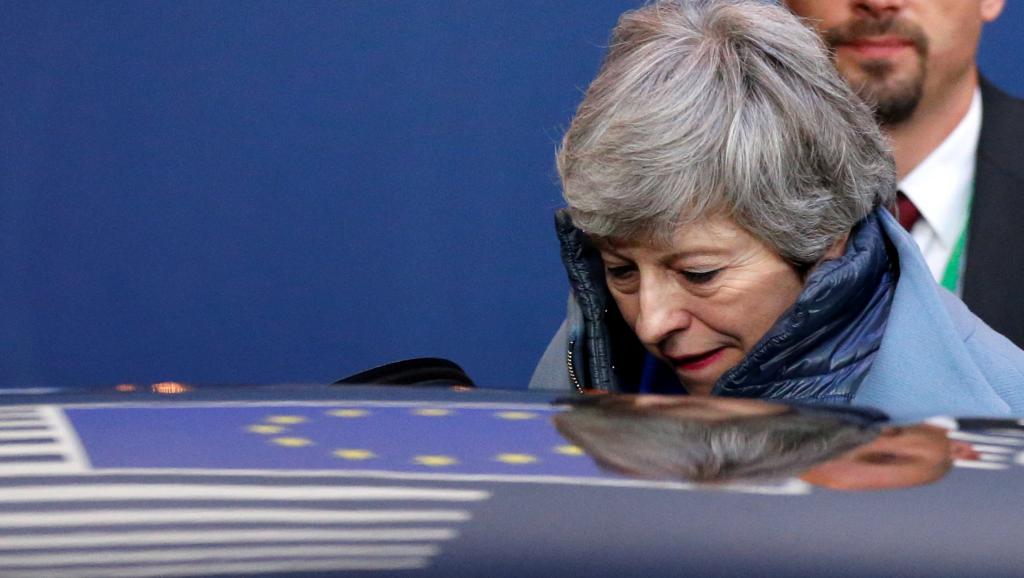 Royaume-Uni: fragilisée, Theresa May pourrait démissionner