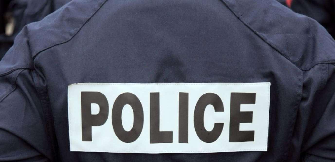 Un homme arrêté à Paris après une attaque au couteau contre des policiers