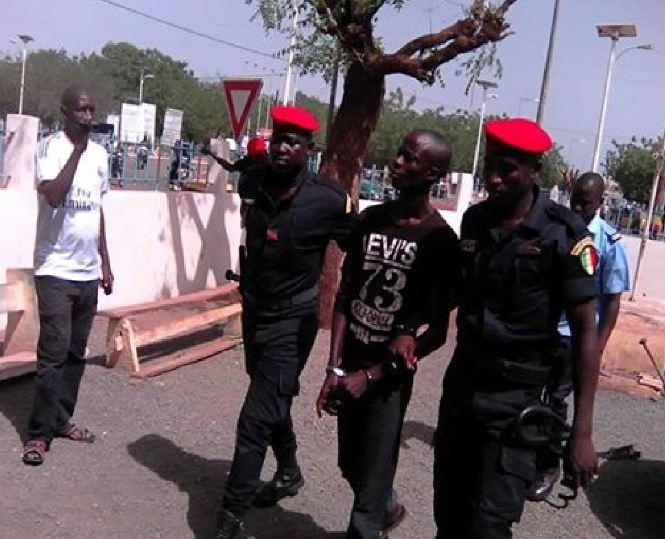 """Association de malfaiteurs et complicité de vol: le Procureur demande l'acquittement pour """"Boy Djiné"""""""