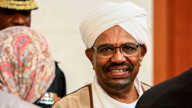 Omar El-Béchir inculpé au Soudan