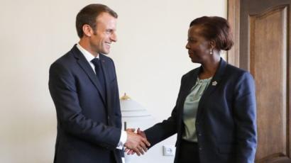 """Des francophones s'élèvent contre le """"colonialisme anglo-américain"""""""