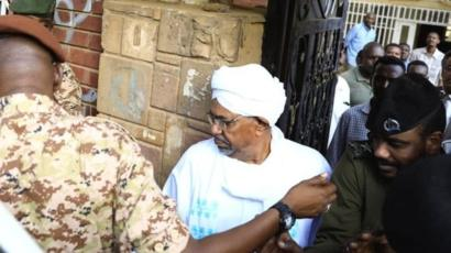Soudan: Omar El Bechir a été déféré au Parquet