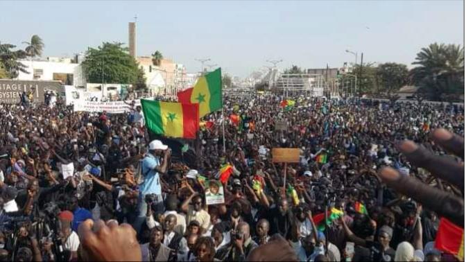 Direct - Rassemblement de la coalition Aar li nu book: Affluence à la place de la Nation