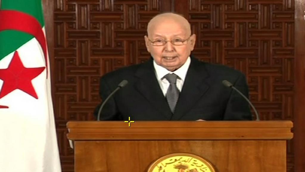 Algérie: le président par intérim appelle à un dialogue sans l'État ni l'armée