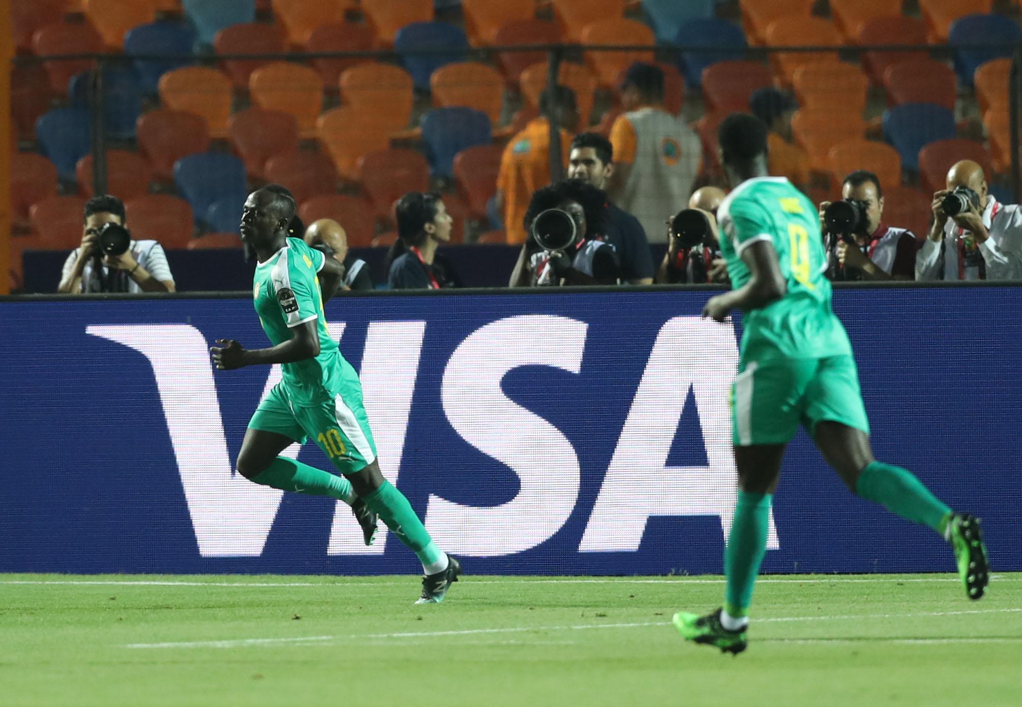Sadio Mané rate l'occasion de tuer le match en ratant un penalty