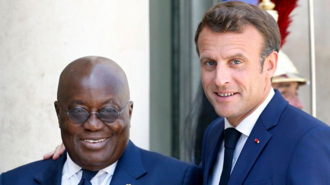 """""""Pas de tabou"""" sur le franc CFA, assure Emmanuel Macron"""