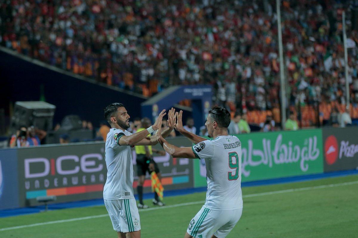 Mahrez qualifie l'Algérie en finale sur un coup franc magistral en fin de match