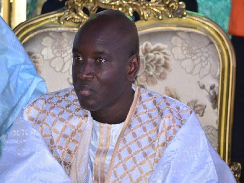 """Paris-Aly Ngouille Ndiaye : """" le Président va accueillir le corps et va l'accompagner jusqu'à Nguédiène"""""""