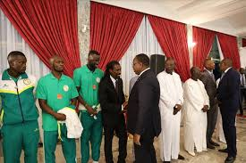 Football : Le président Sall offre 20 millions FCFA comme prime à chaque Lion
