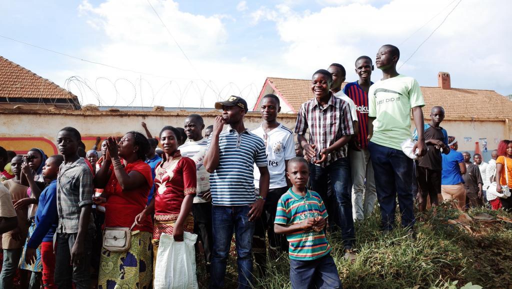 Lutte contre Ebola en RDC: les écoliers de Beni passent enfin l'examen national