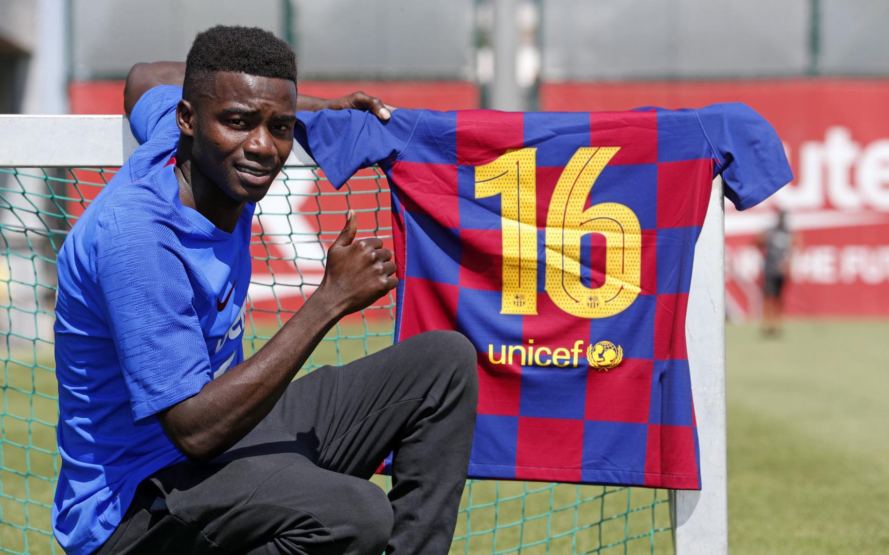 """Le Barça confirme le """"transfert"""" de Moussa Wagué"""