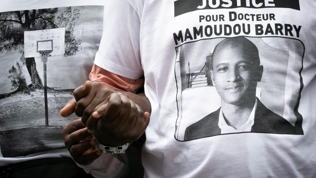 Guinée: la dépouille de Mamoudou Barry accueillie à l'aéroport de Conakry