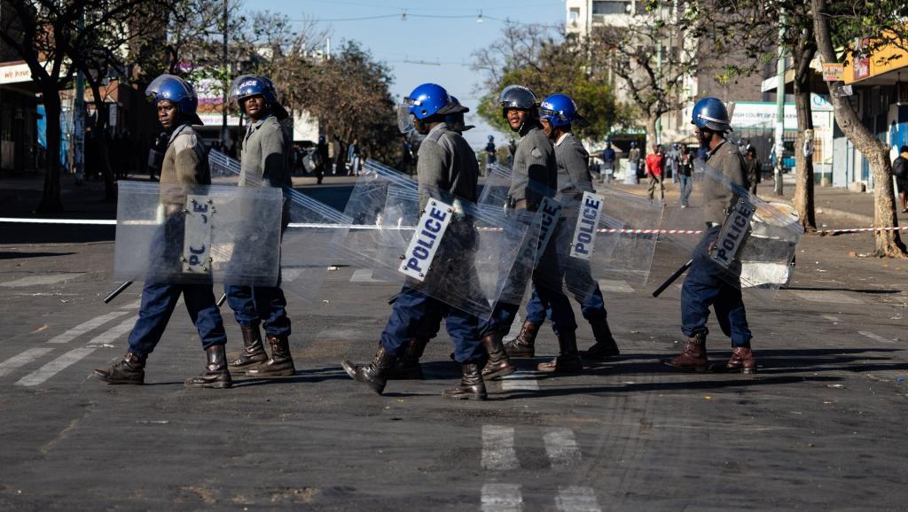 Zimbabwe: des enseignants inculpés pour avoir manifesté devant un ministère
