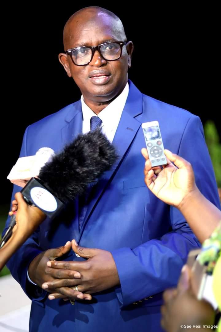 Sonko: Une stratégie de mise sous hypnose du peuple !  Par Abdou Latif Coulibaly