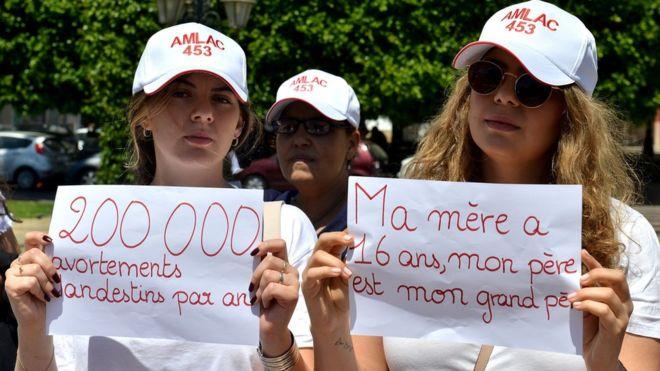 Une journaliste jugée pour avortement au Maroc