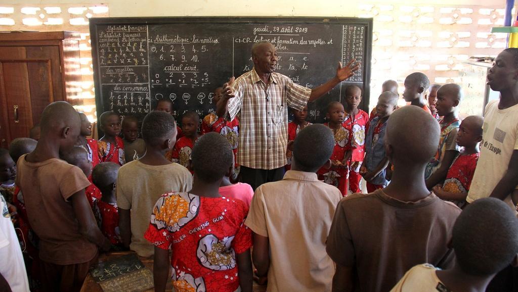 À Bangui, M. Marcel, l'enseignant des enfants des rues