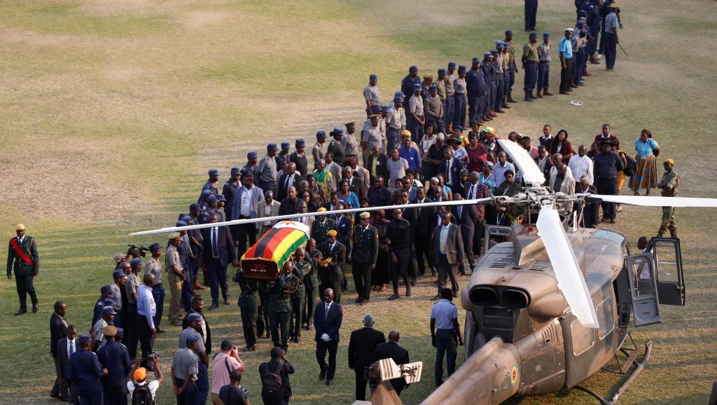 Hommage national à Mugabe avant une inhumation au Champ des héros dans un mois