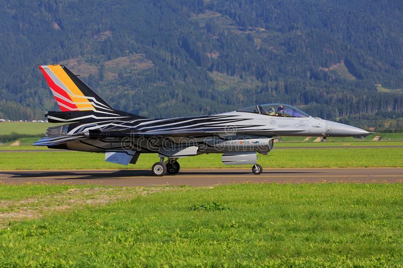 Un avion de chasse belge s'écrase dans l'ouest de la France, les deux pilotes indemnes