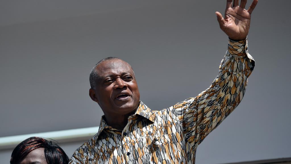 Togo: l'opposant Jean-Pierre Fabre, patron de l'ANC, tape du poing sur la table