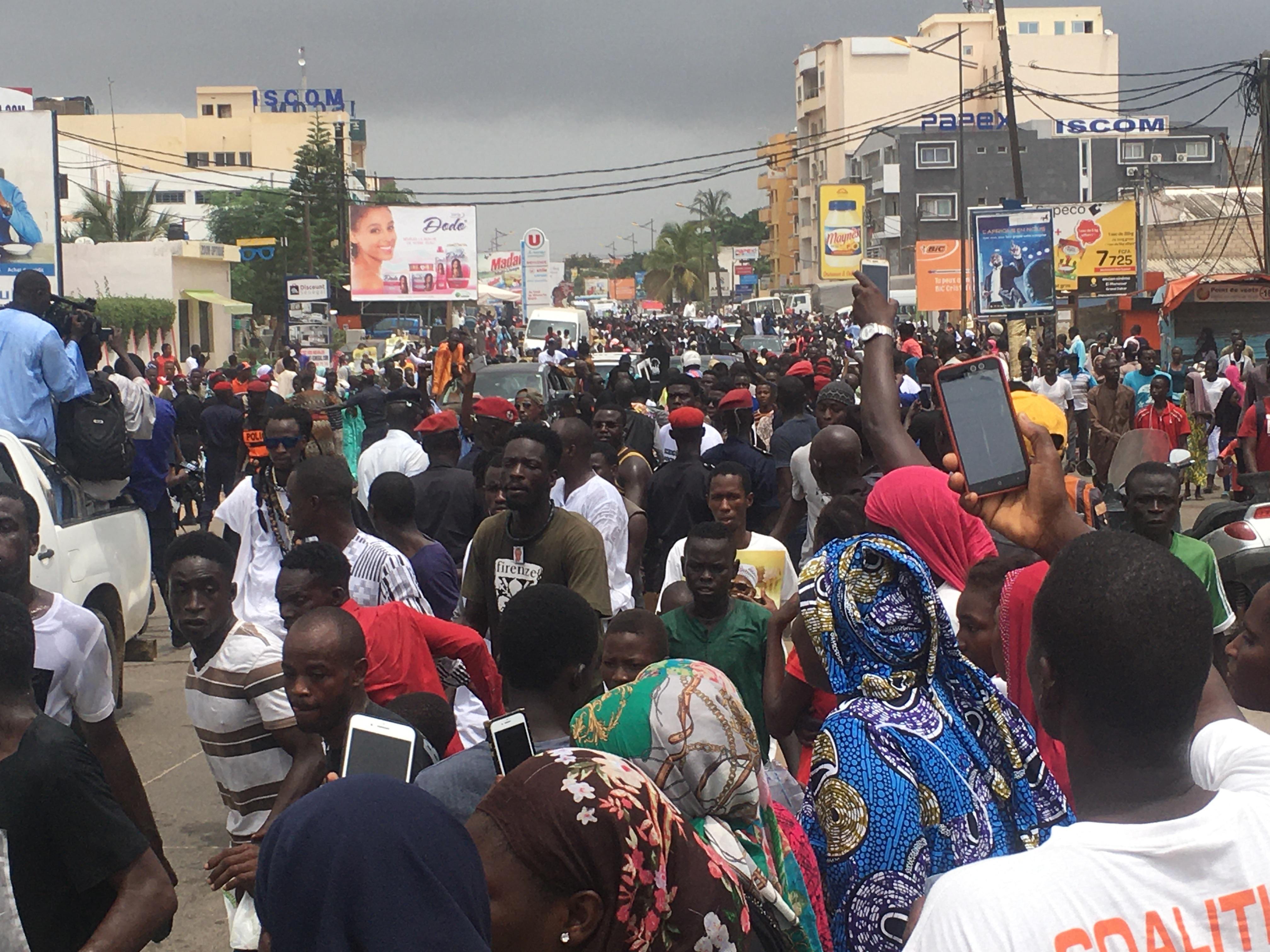 Vidéos et images de l'arrivée du Khalife des Mouride... Ce n'est pas un citoyen ordinaire qui est entré à Dakar