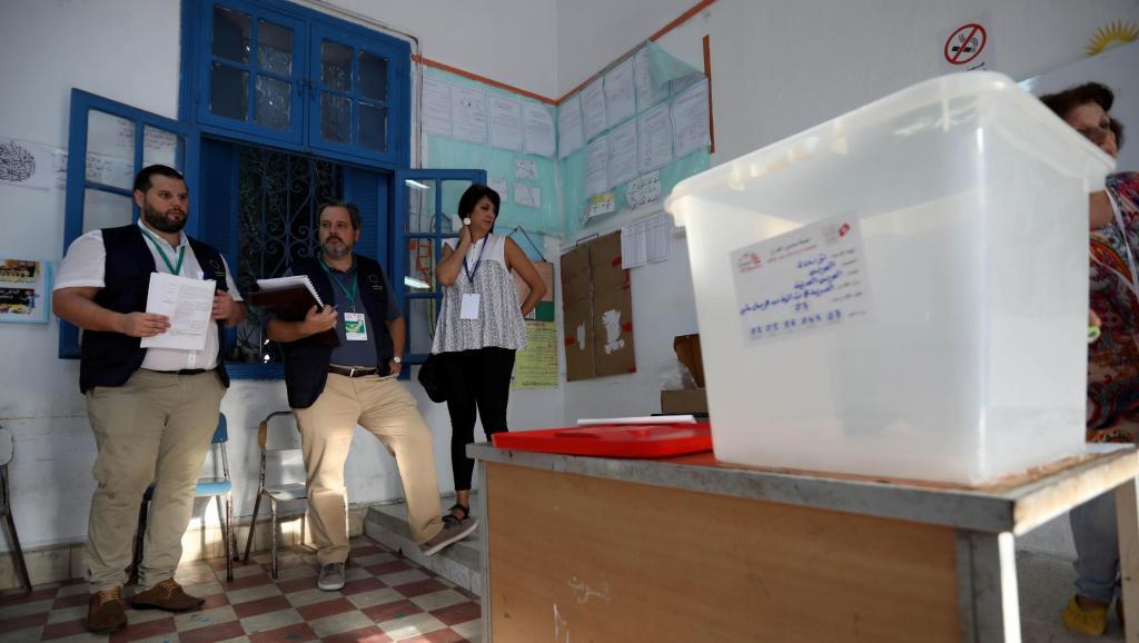 Tunisie: les partis politiques plongés dans les tractations d'entre-deux-tours