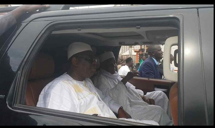 Macky a déposé Me Abdoulaye Wade chez lui avant de repartir au Palais
