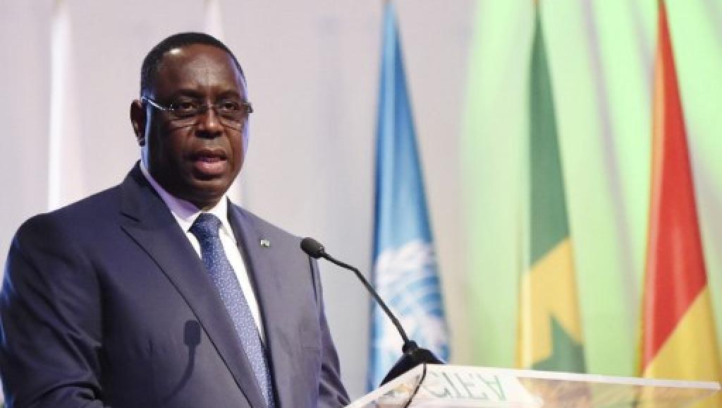 """Le président Macky Sall, désigné """"homme pétrolier de l'année'"""" par Africa Oil"""