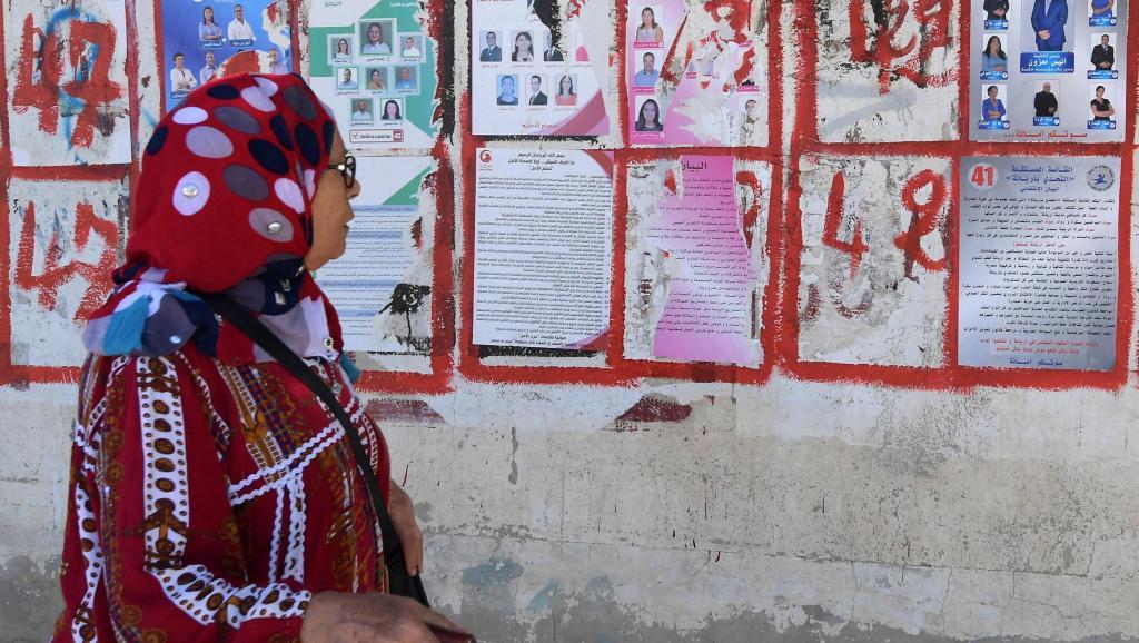 Rejet des élites et listes indépendantes: les enjeux des législatives tunisiennes