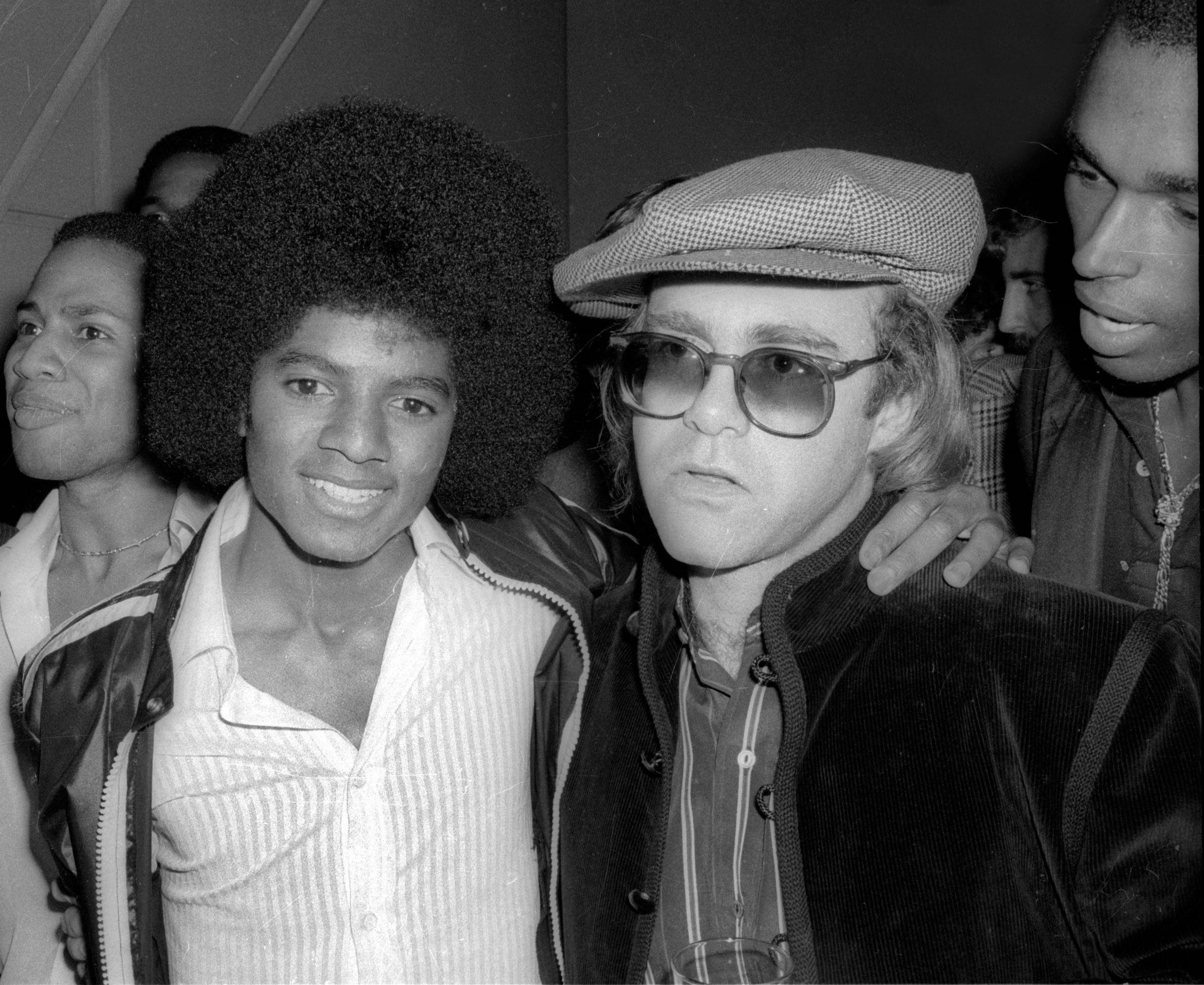 """Elton John fait de nouvelles révélations sur Michael Jackson : """"Il avait complètement perdu la tête"""""""
