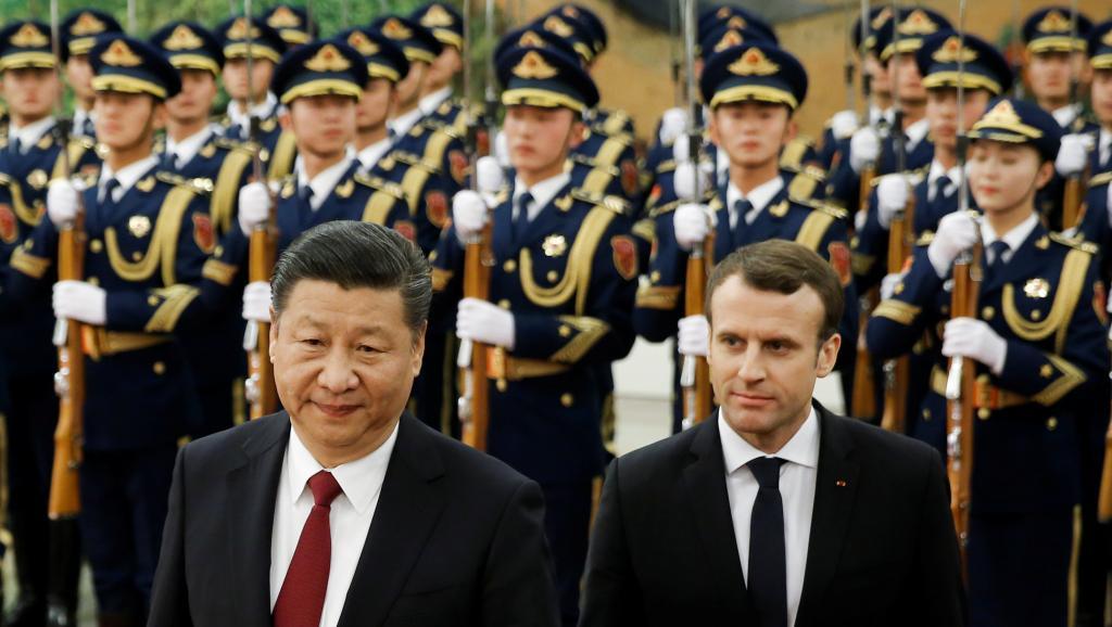 Emmanuel Macron en Chine avec le commerce en ligne de mire