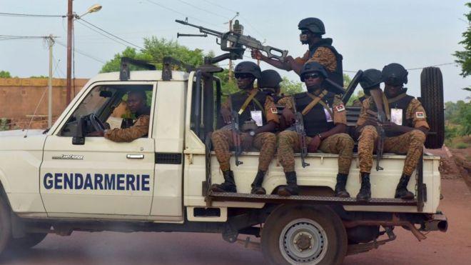 Près de 37 morts dans une embuscade à l'est du Burkina Faso